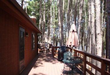 Large Cabin 25