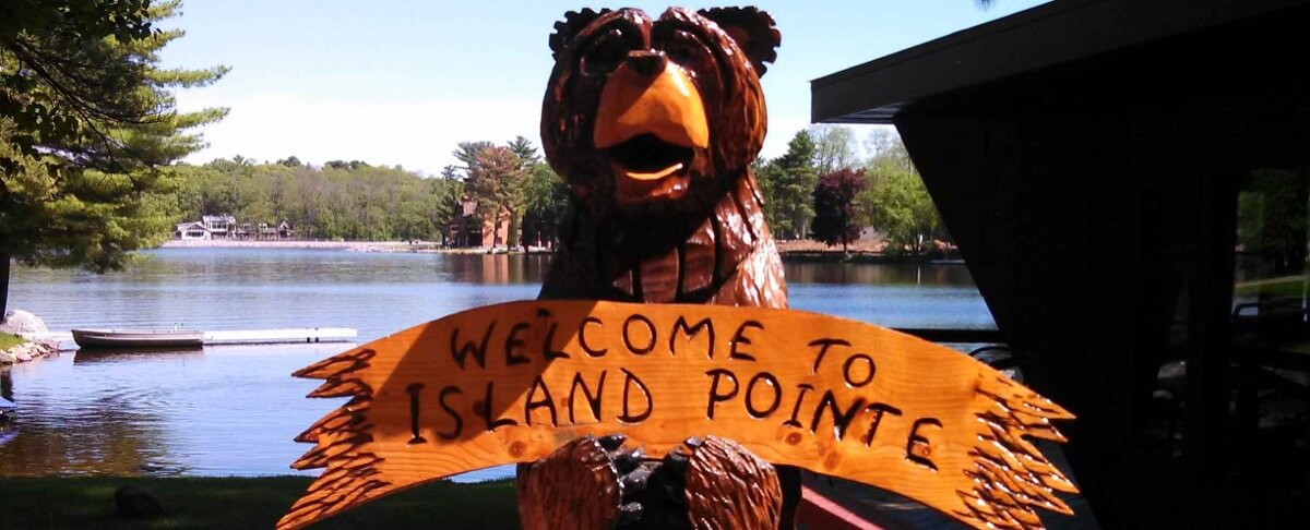 Welcome to Island Pointe - Carved Bear